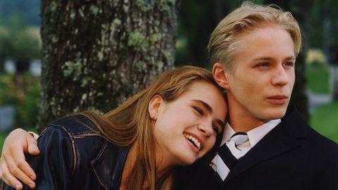 Anna (Lina Englund) och Victor (Johan Widerberg).