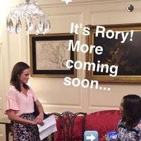 USA:s första dam Michelle Obama hänger med Rory i Gilmore Girls.