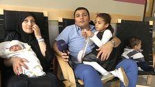 Sabiha och Mohamed Alshika Khalaf tillsammans med sina barn Hanin, Abdullah och Ward på bb.