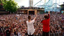 Den norska artistduon Marcus och Martinus lockade 15.000 besökare.