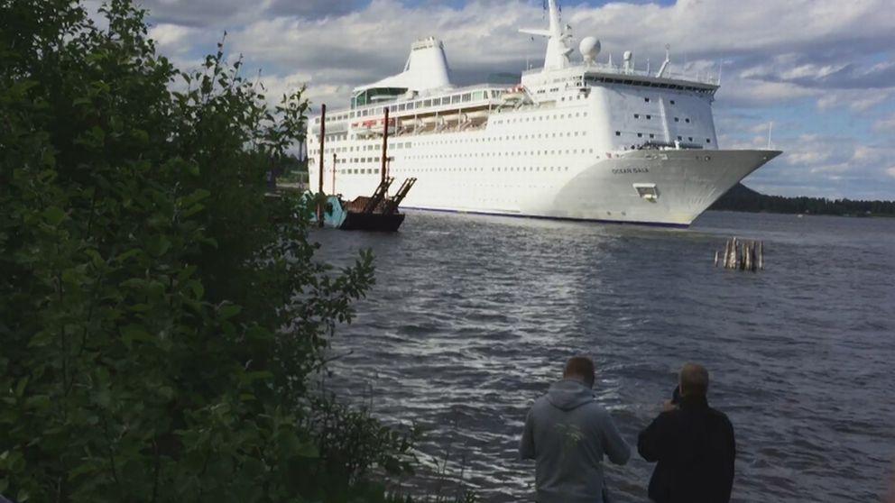 En av de punkter som hindrade Migrationsverket att skriva på avtalet med företaget bakom kryssaren Ocean Gala har nu infriats.