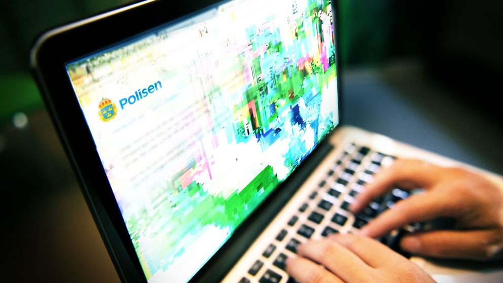 Laptop med polissurf.