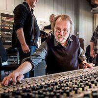 Benny Andersson i sin studio på Skepssholmen.