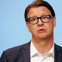 Ericssons vd sparkas -
