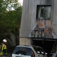 Brandskadad fasad i Uddevalla.