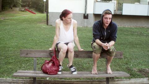 Sebastian (Saga Becker) och Andreas (Iggy Malmborg).