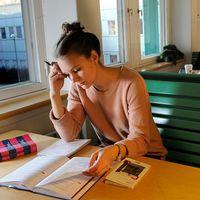 Det är svårt för studenter att hitta bostad i Uppsala kommun, så svårt att kommunen rödlistas i en ny kartläggning.