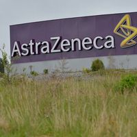 Astra Zeneca säljer en verksamhet till Pfizer.