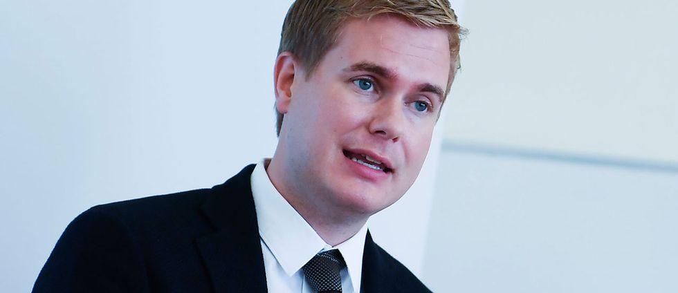 Utbildningsminister Gustav Fridolin (MP) presenterar innehållet i utbildningsdepartementets förslag om en stadieindelad timplan.