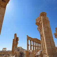 Ruiner i den antika staden Palmyra i Syrien. Kriget i landet har lett till en omfattande smuggling av konstföremål, men en stor del av föremålen är förfalskningar.