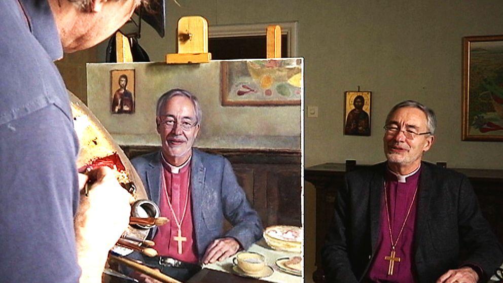 Här växer biskopens porträtt fram