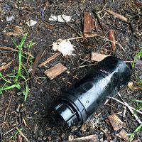 deodorantflaska på marken