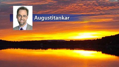 Färggrann solnedgång över Granbergsträsket i nordvästra Västerbotten den 22 augusti.