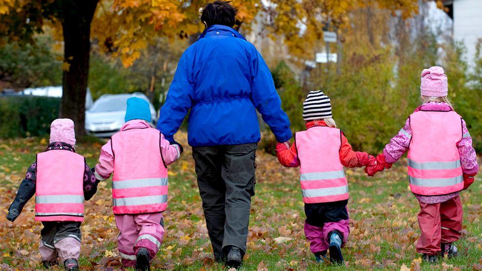 Förskollärare med fyra barn.