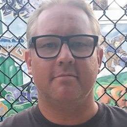 Robert Laul, 40 år, fotbollsjournalist på Sportbladet, före detta elitspelare i Ljungskile SK.