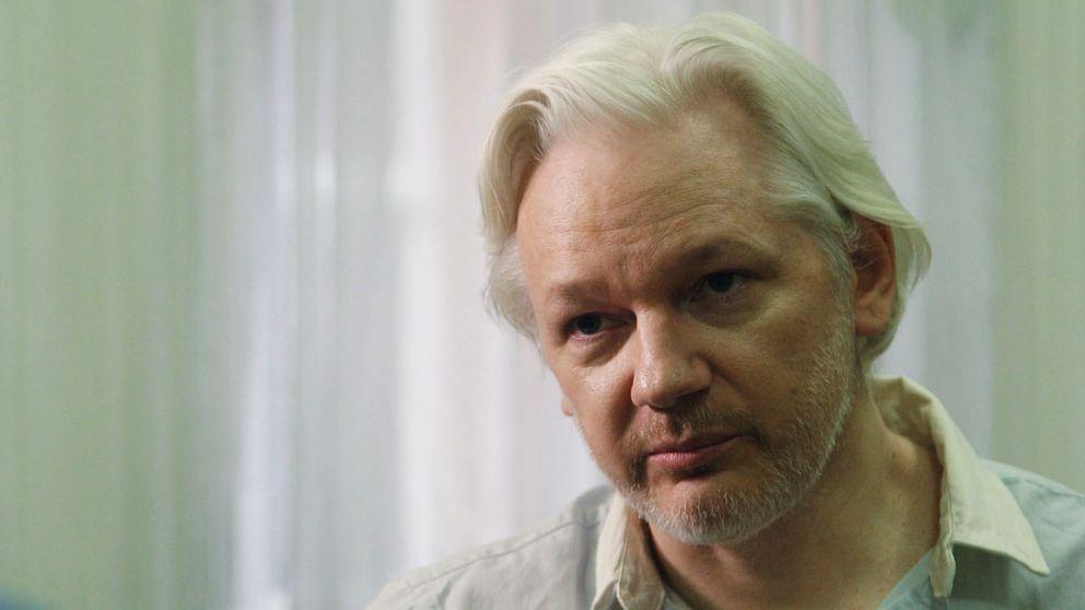 Julian Assange har levt nästan helt utan solljus under lång tid.