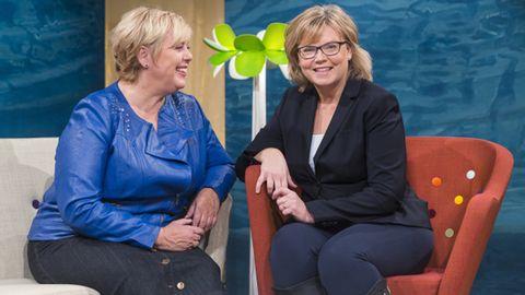 Programledaren Suzanne Axell och husdoktorn Gunilla Hasselgren.