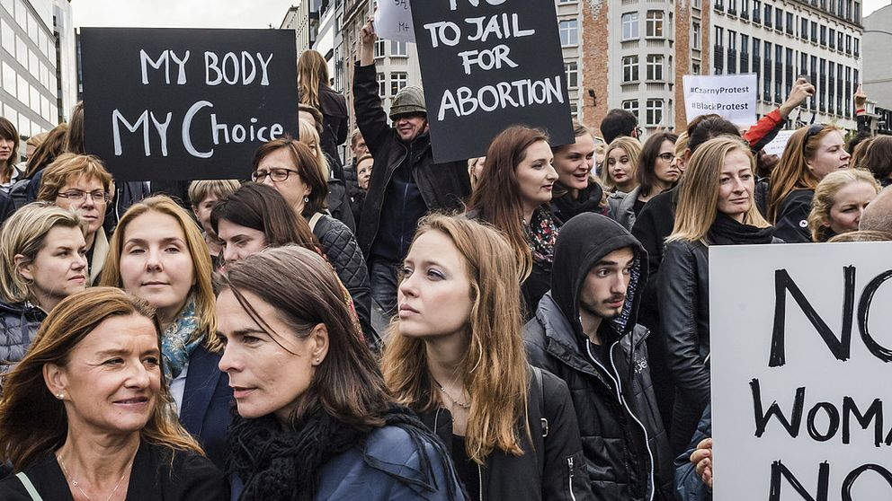 demonstration mot polskt abortförslag