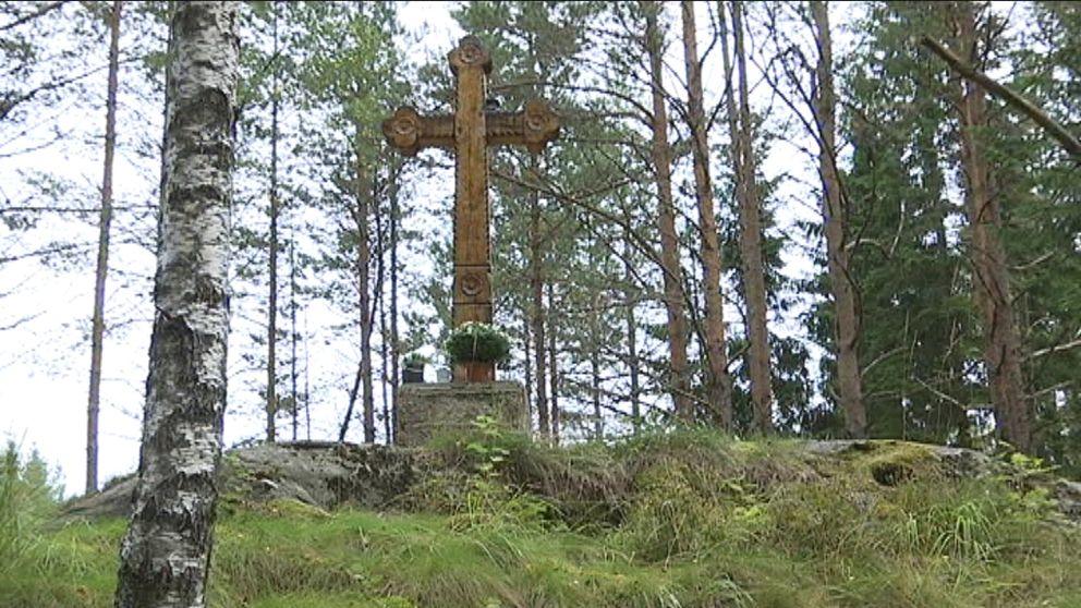 Korset i skogen