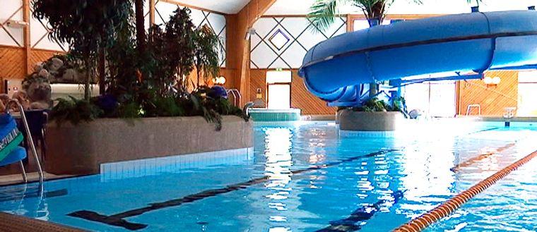 Ekbacksbadet i Arboga, som är från 90-talet, är ett exempel på badhus där det ska renoveras under nästa år.