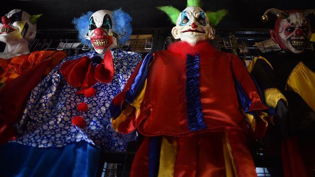 Flera uppmanar på sociala medier att jaga clowner.