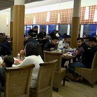 Asylsökande på Continental Inn bjöds på arabisk afton