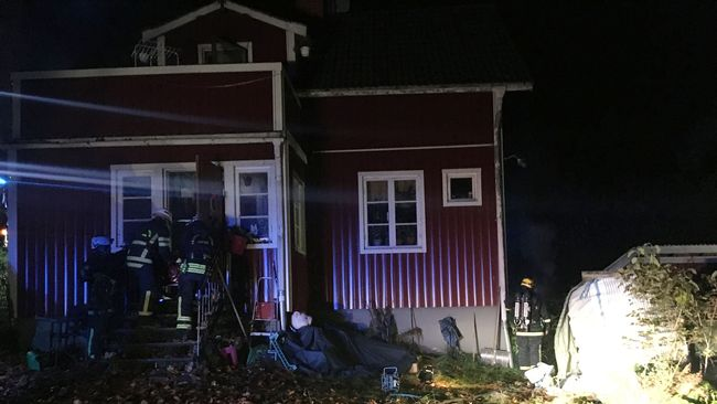 Villa och brandmän