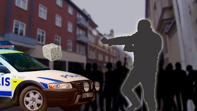 Efter att en 17-åring gripits misstänkt för ringa narkotikabrott i Kristinehamn kastades gatsten på polisbilen.