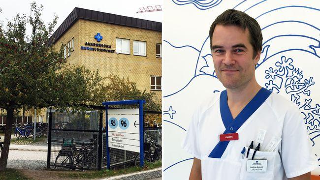 Till vänster syns Akademiska barnsjukhusets fasad, med skyltning på fasad och intill vägkanten. Till höger i bild syns barnläkare Johan Kaarme.