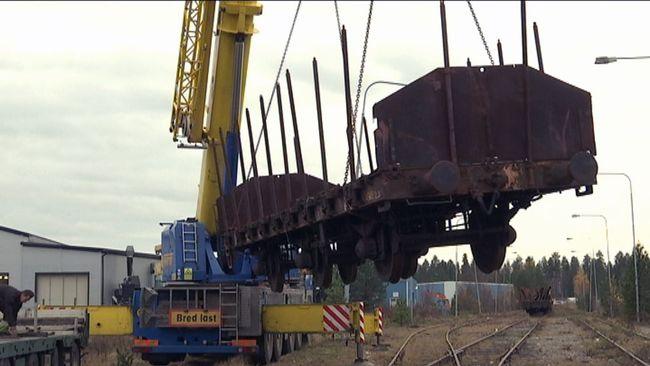 tågvagn anländer till Norrbottens järnvägsmuseum
