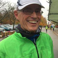 Jörgen Nilsson från Göteborg springer sitt 203:e maratonlopp