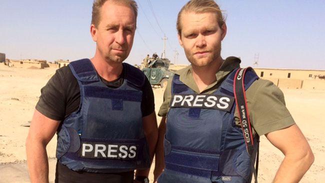 SVT:s Stefan Åsberg och Niclas Berglund i Mosul.