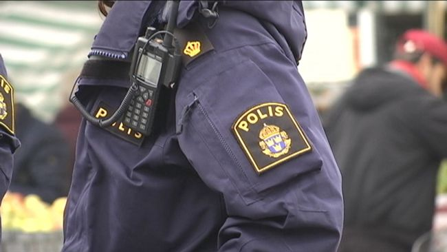 Mindre kommuner i Skåne svarar i en enkät att polisen inte är närvarande på gatorna längre.