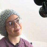 15-åriga Elin Andersson har en humorkanal på Youtube.