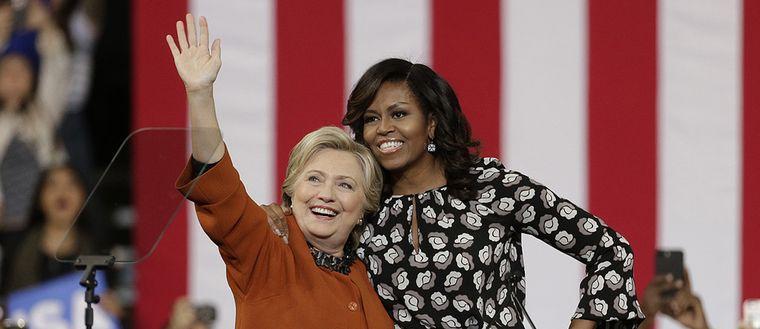 Hillary Clinton och Michelle Obama.