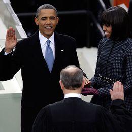 Barack Obama svär presidenteden
