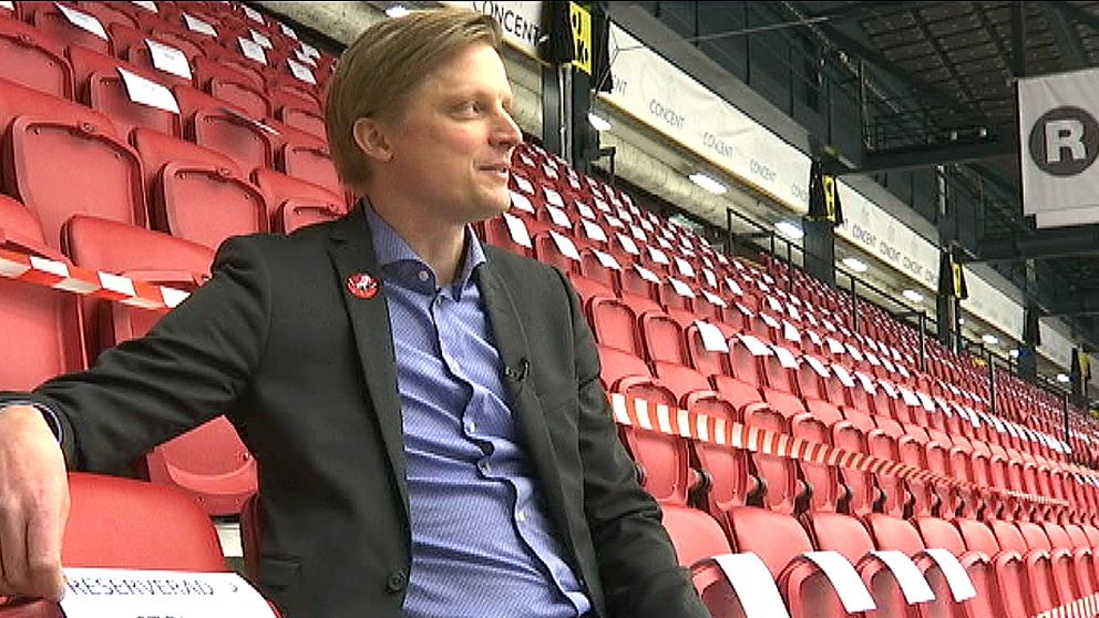 Klubbchef för Vita Hästen Fredrik Jensen. Foto: SVT.