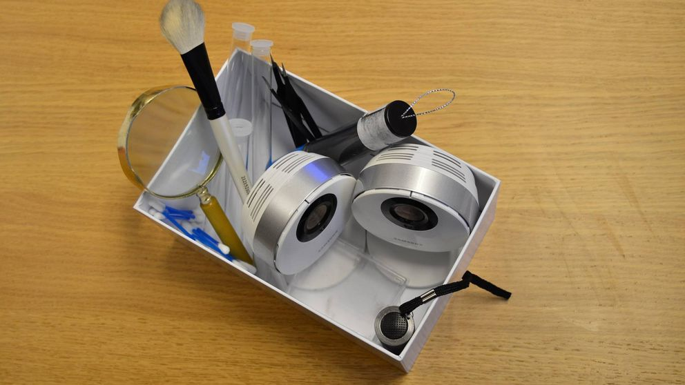 Brottsplats-kit gjort av Pelle Filipsson.