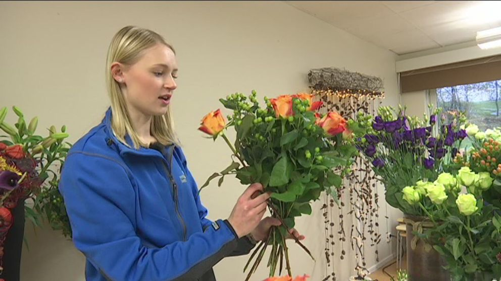 19-åriga Anna Kalsson från Norrköping tävlar i kategorin florist.