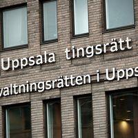 Fem tonåringar misstänks för en gruppvåldtäkt i Uppsala. Samtliga fem sitter häktade på sannolika skäl misstänkta för grov våldtäkt mot barn.