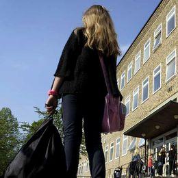 Elev på skolgård