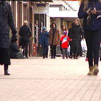 Folk på stan i Karlstad