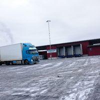 En bild på en lastbil utanför företaget Reaxcer