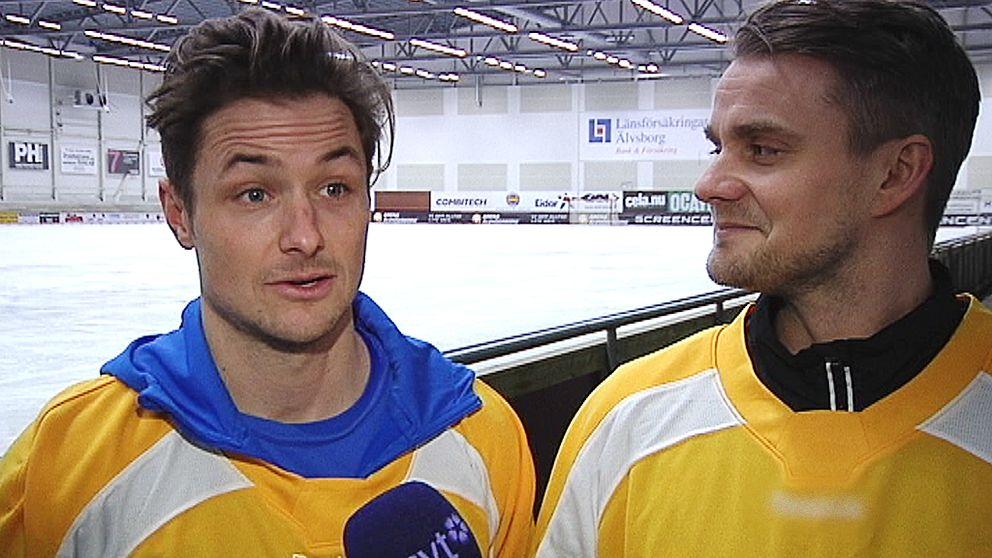 Jesper Eriksson och David Karlsson spelar vanligtvis i Villa Lidköping, men har nu fått ta på landslagsdressen.