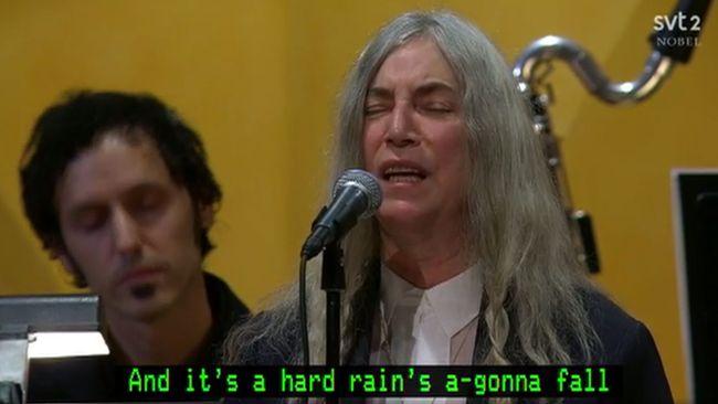Patti Smith sjöng för Dylan – fick avbryta