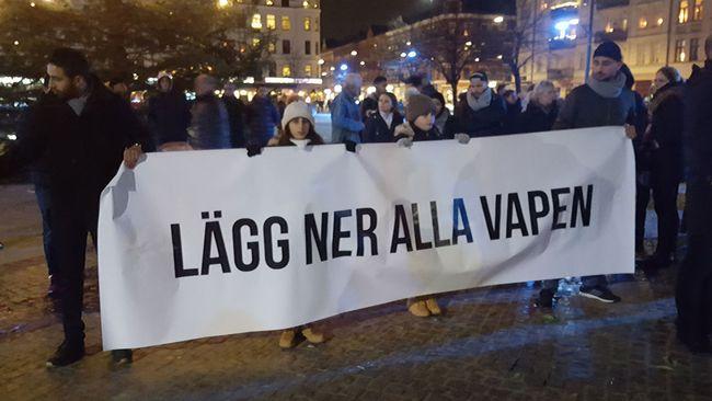 Tyst marsch för att hedra mordoffer i Malmö