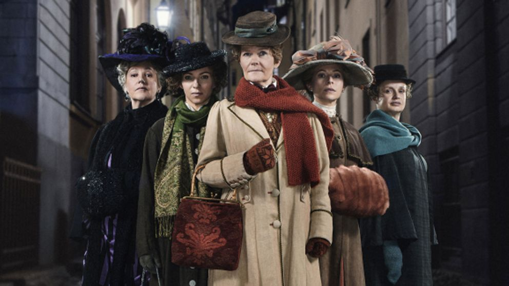 Skådespelarna Lena T Hansson, Sofia Ledarp, Sissela Kyle, Frida Hallgren, Maria Kulle.
