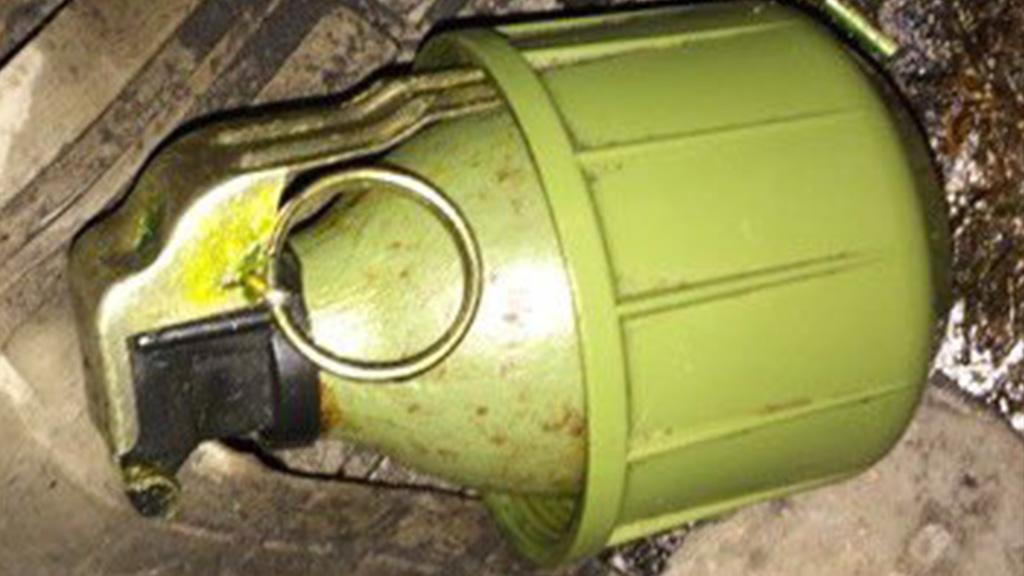 Polisen varnar for handgranater