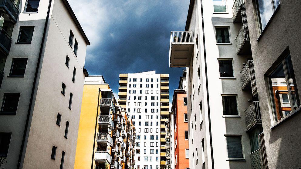 Knappt fyra lägenheter per tusen invånare färdigställdes i Sverige 2015. Det är det största antalet på 23 år.
