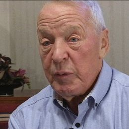 83-årige Nils Sjöberg i Strömsund har i hela sitt liv samlat data om temperaturer och fåglar.